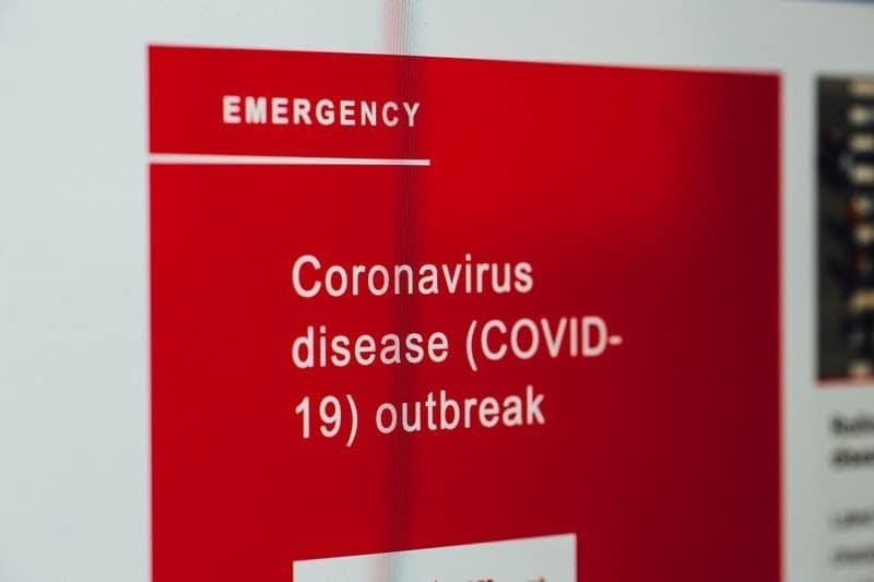 Encurralado entre uma doença rara e a vacina